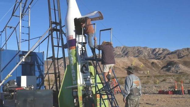 Cohete construido por Mike para probar que la tierra es plana / Foto: BBC